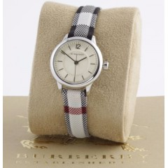 Burberry Women's Watch Leather Band diameter 26 mm BU10200